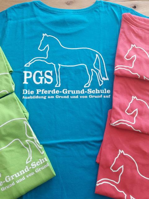 T-Shirts Die Pferde-Grund-Schule